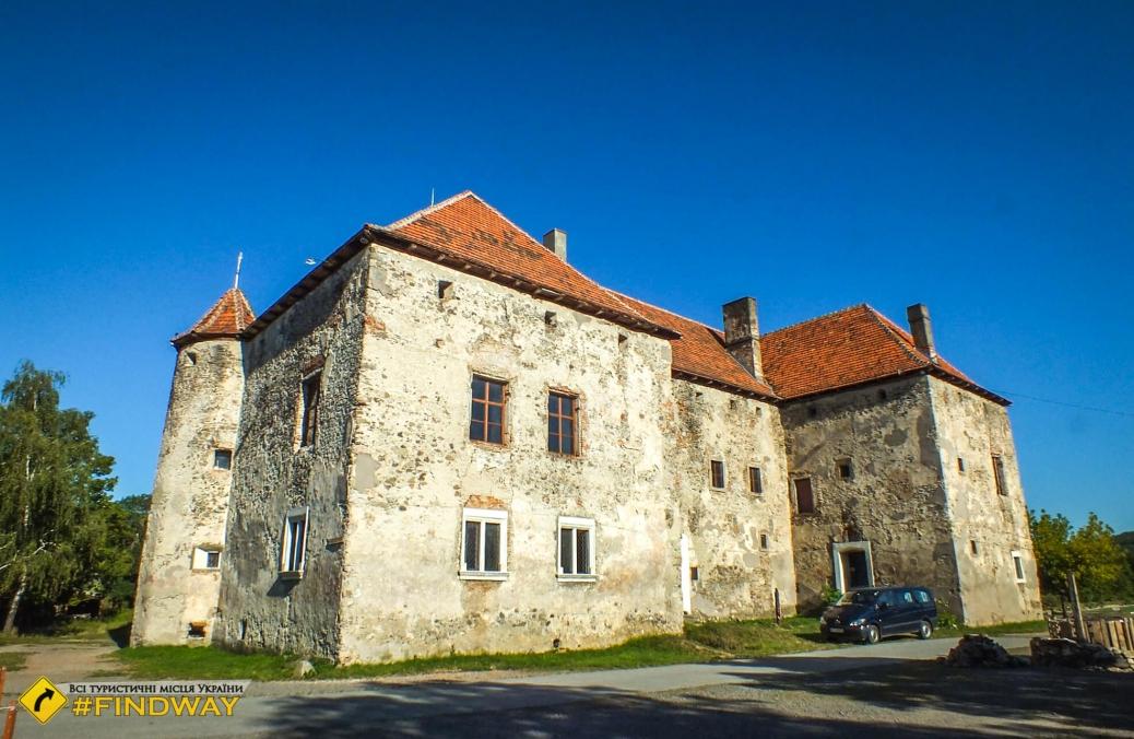 Saint Miklos Castle (Chinadiyiv Castle)