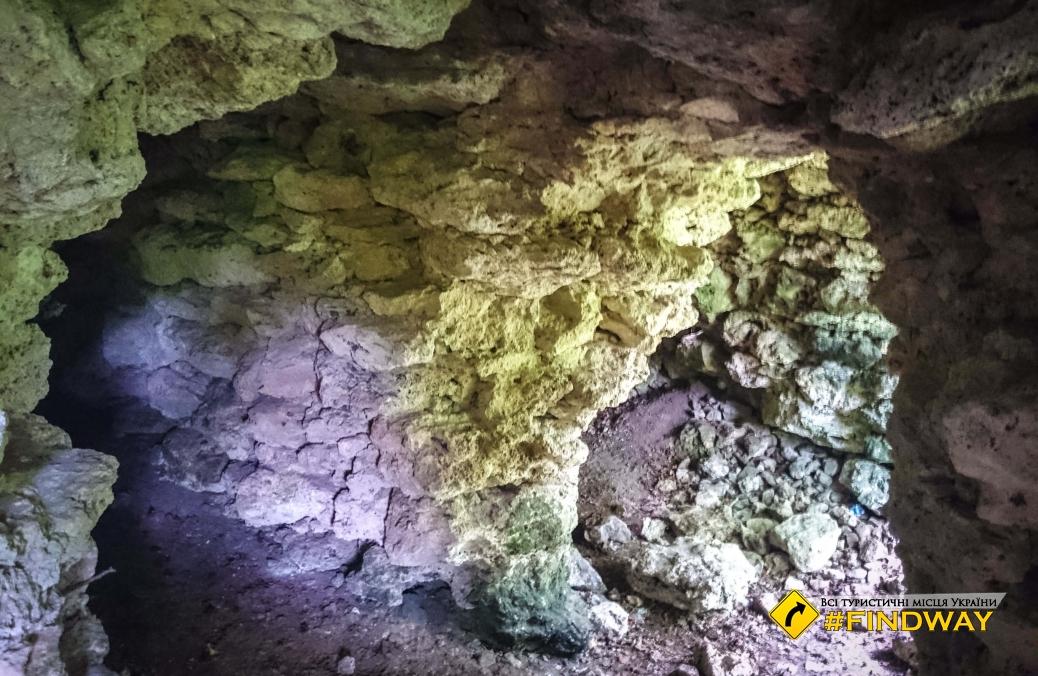 Старі катакомби, Отроків