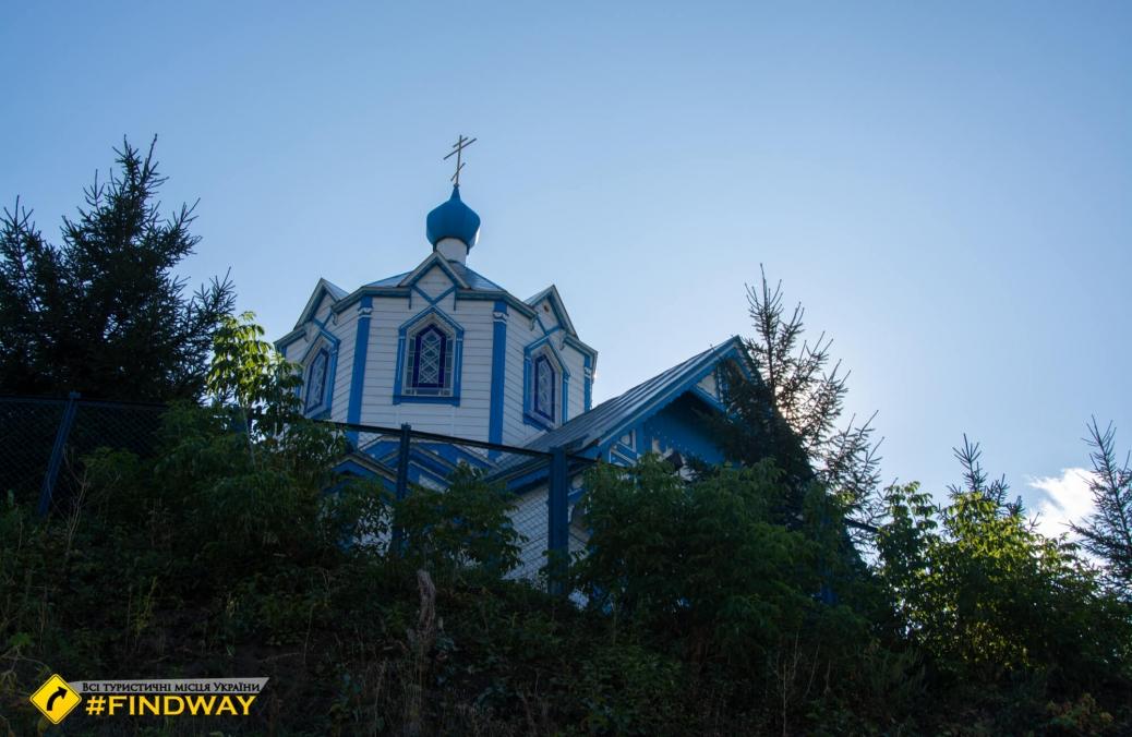 Дерев'яна церква Різдва Христового, Борова