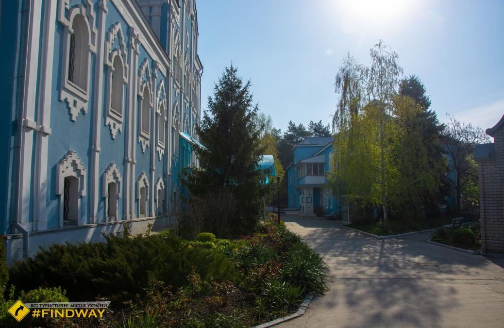 St. Nicholas Cathedral, Horishni Plavny