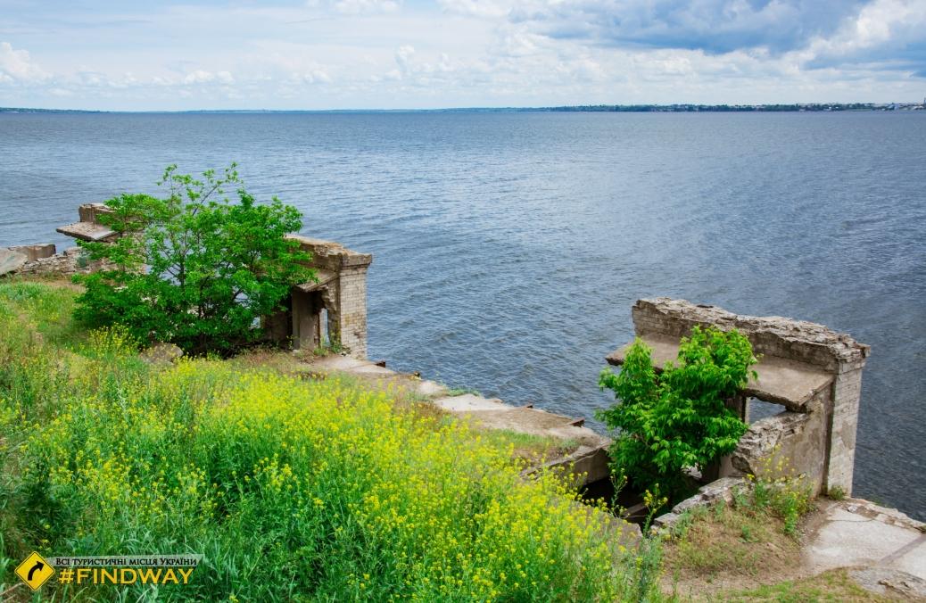 Kyzy-Kermen fortress ruins, Berislav