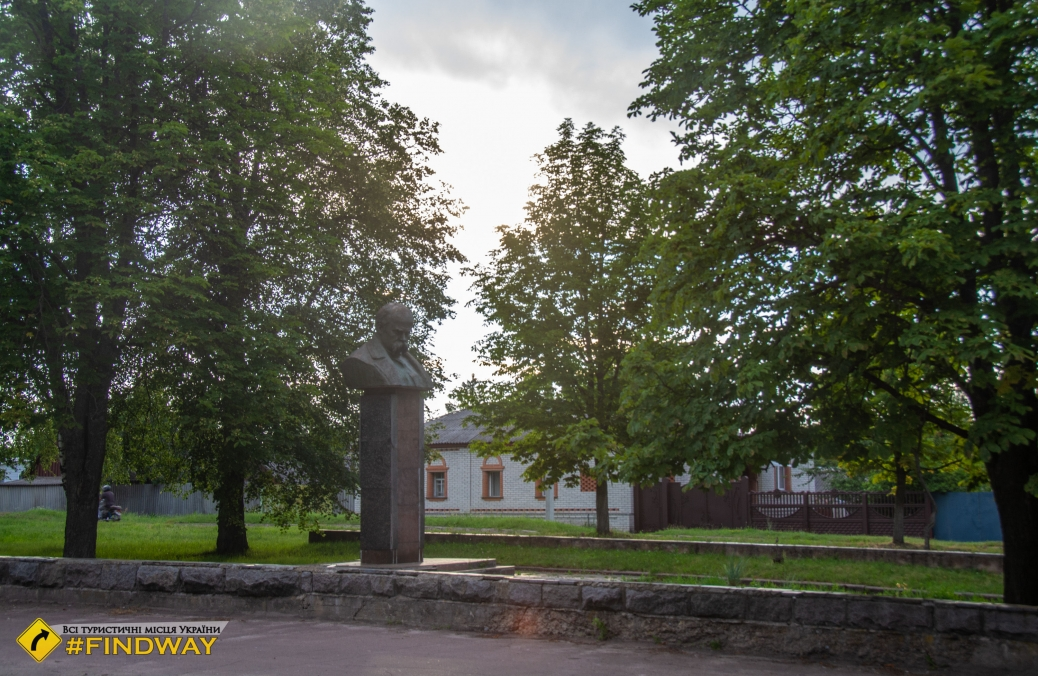 Музей кролевецького ткацтва, Садиба Огієвських, Кролевець