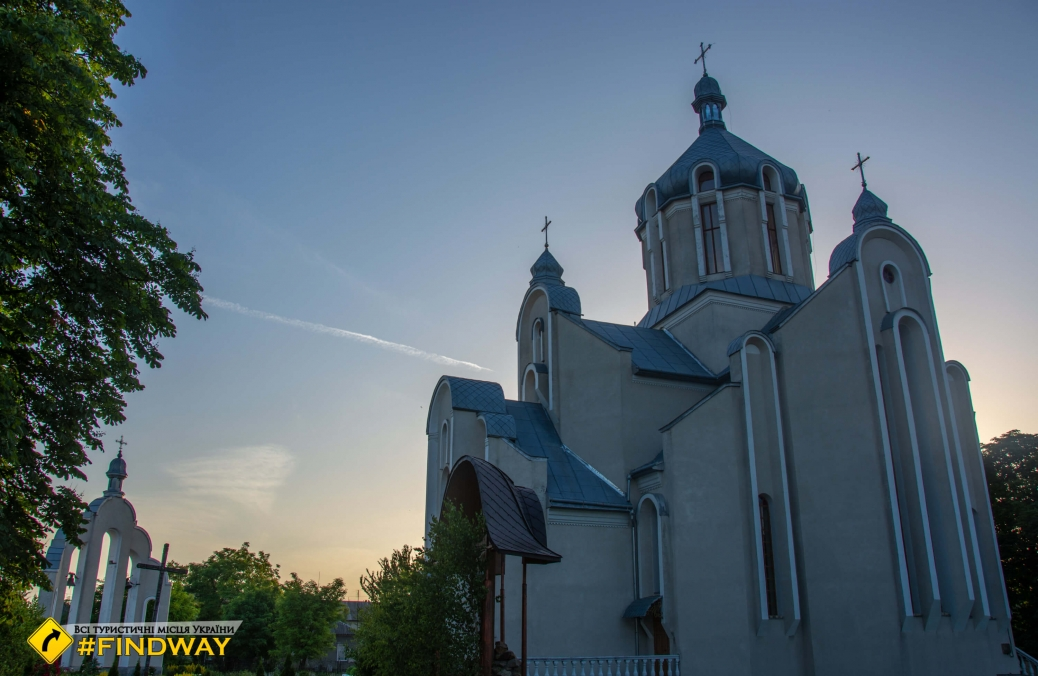 Церква Успіння Пресвятої Богородиці, Підкамінь