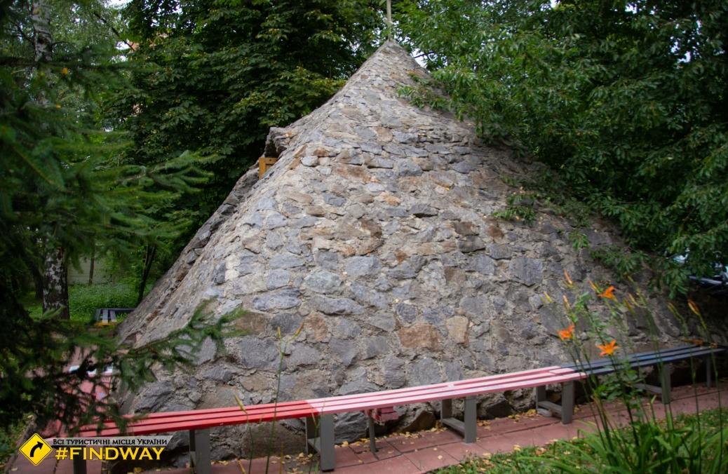 Піраміда, Вінниця