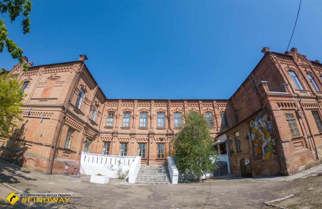 Здание Ногайской женской гимназии, Приморск
