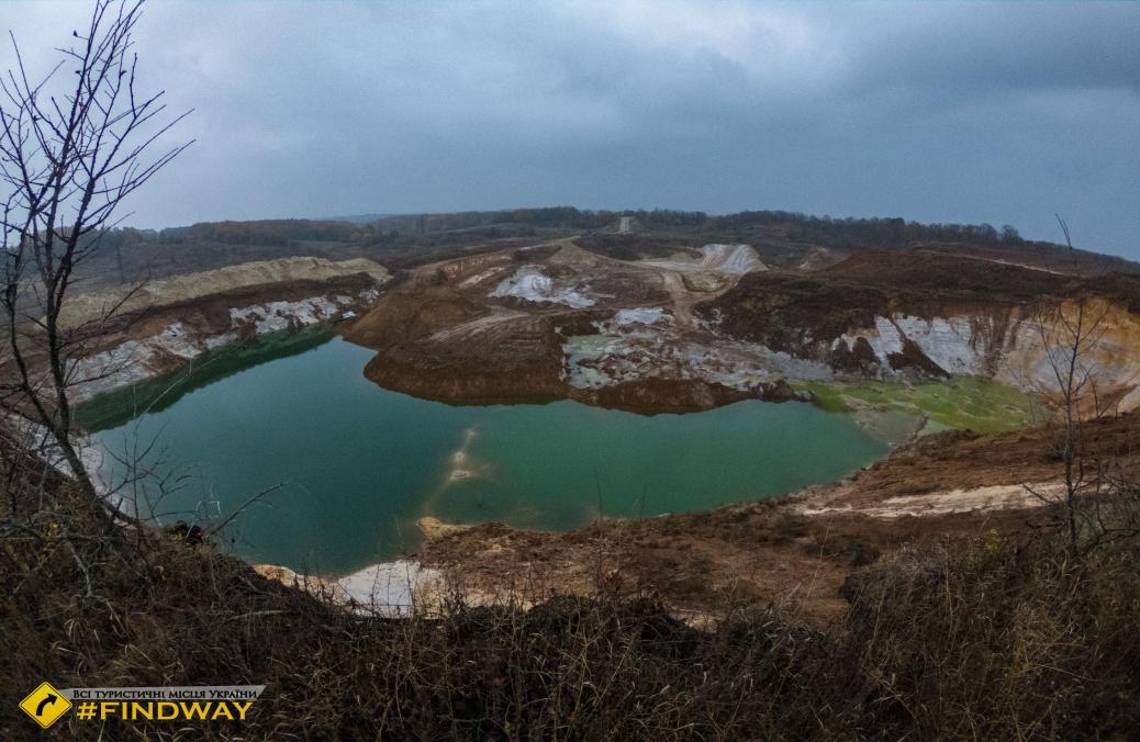 Oleshkivsky quarry, Pisochyn