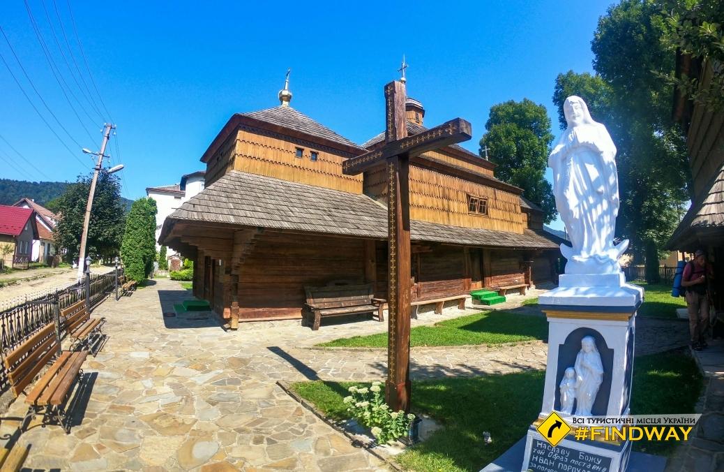 Церковь Святого великомученика Пантелеймона, Сколе