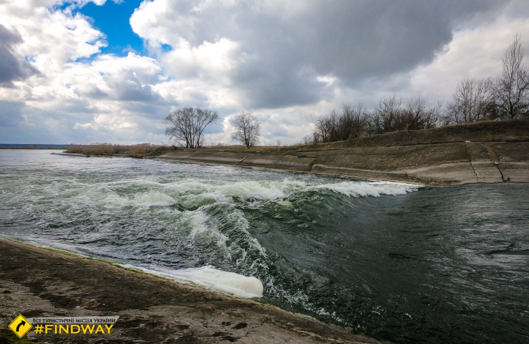 Плей-спот Хохлобочка (скид води з електростанції), Озеро Лиман, Слобожанське