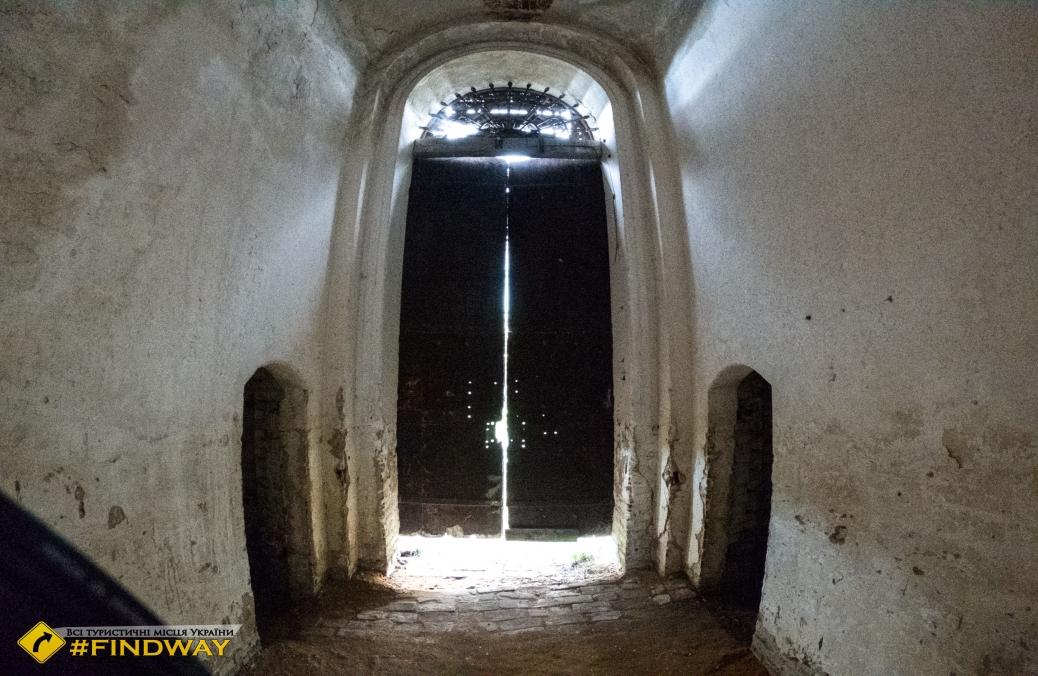 Покинутий Свято-Петропавлівський храм (~1800р), Петропавлівка