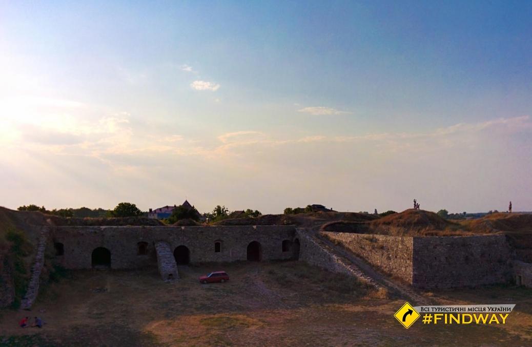 Покинуті руїни Нового Замку, Кам'янець-Подільський