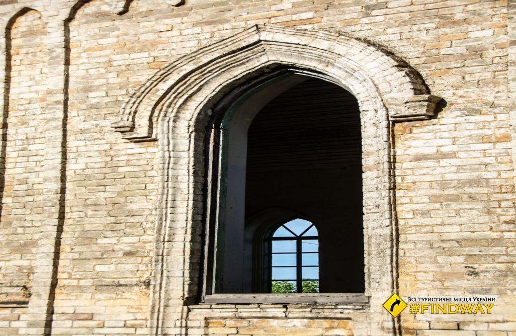 Catholic church (ruins), Medvedivka