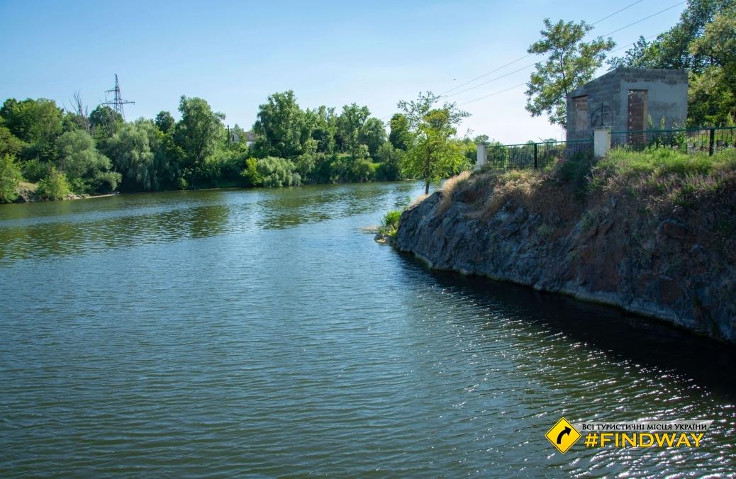 Плотина Стеблевской ГЭС
