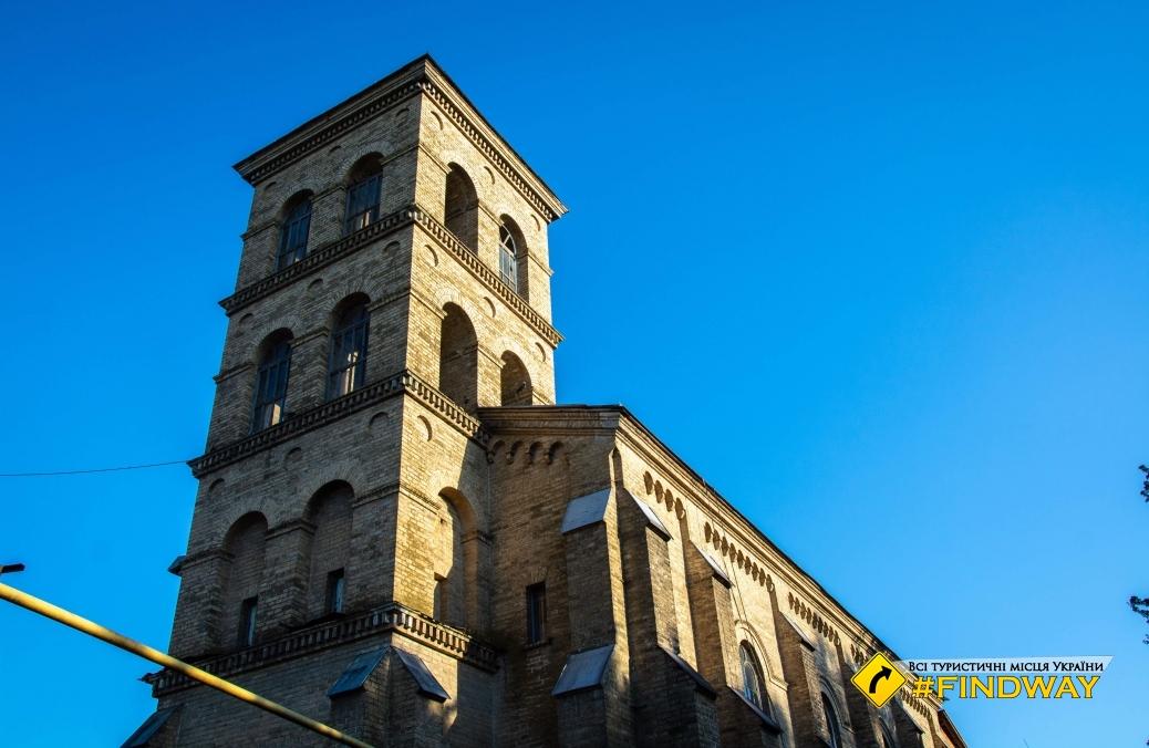Римо-Католицький Костел, Мошни