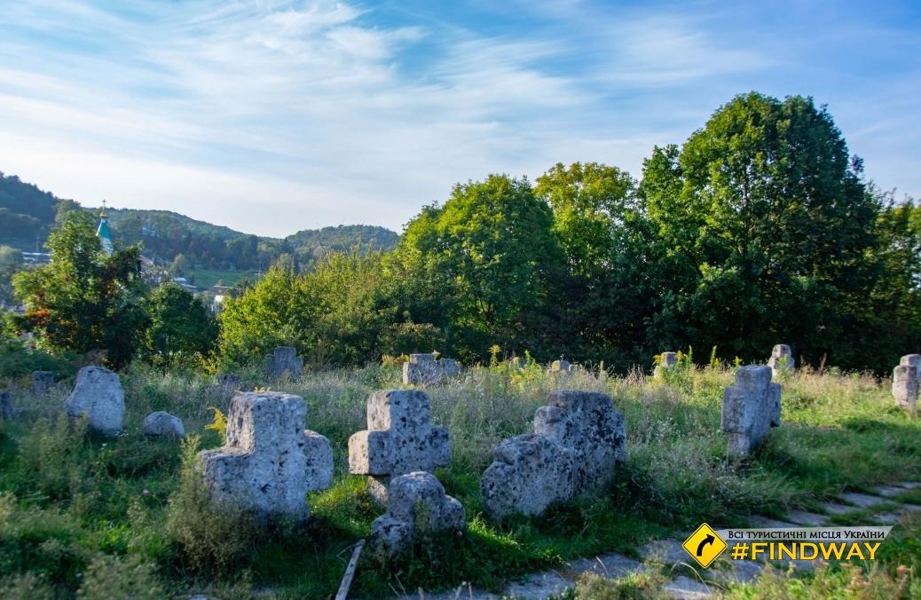 Пятницкое кладбище (старинное казацкое кладбище), Кременец