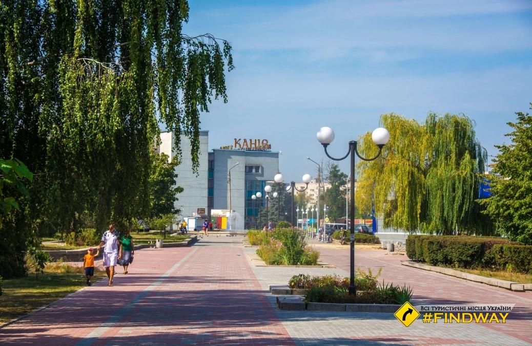 Памятник бронекатеру, Днепровская набережная, Канев