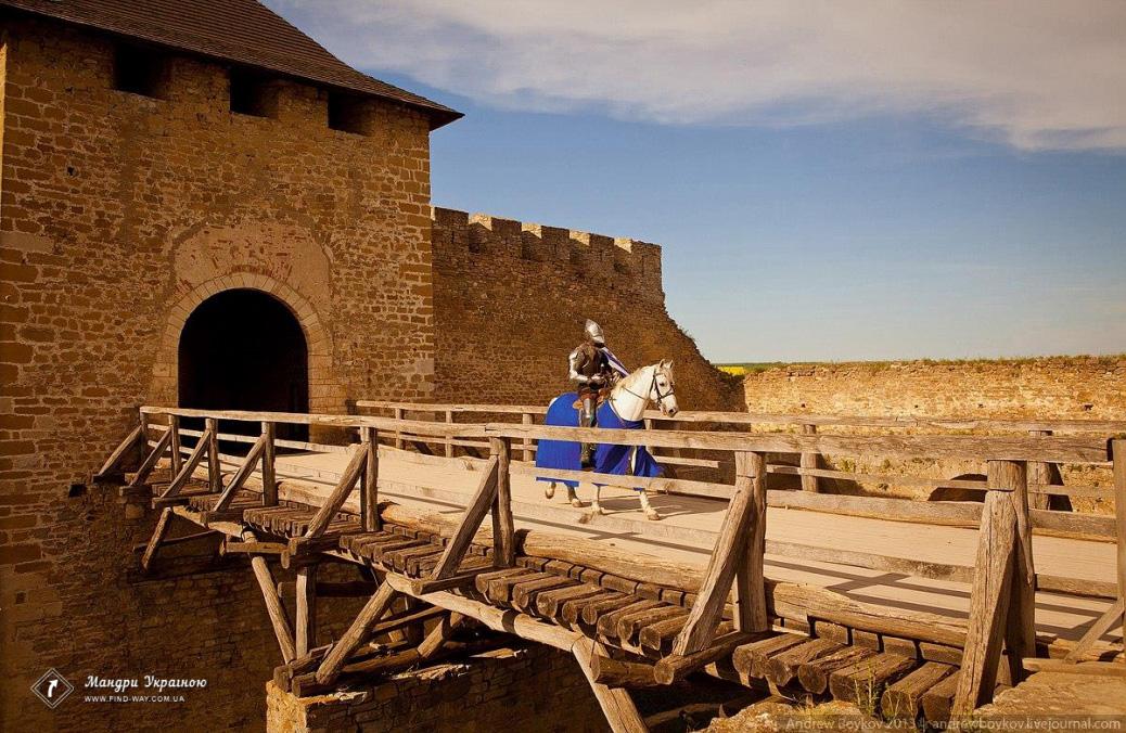 Цікаві місця України чернівецька область хотинська фортеця на дністрі