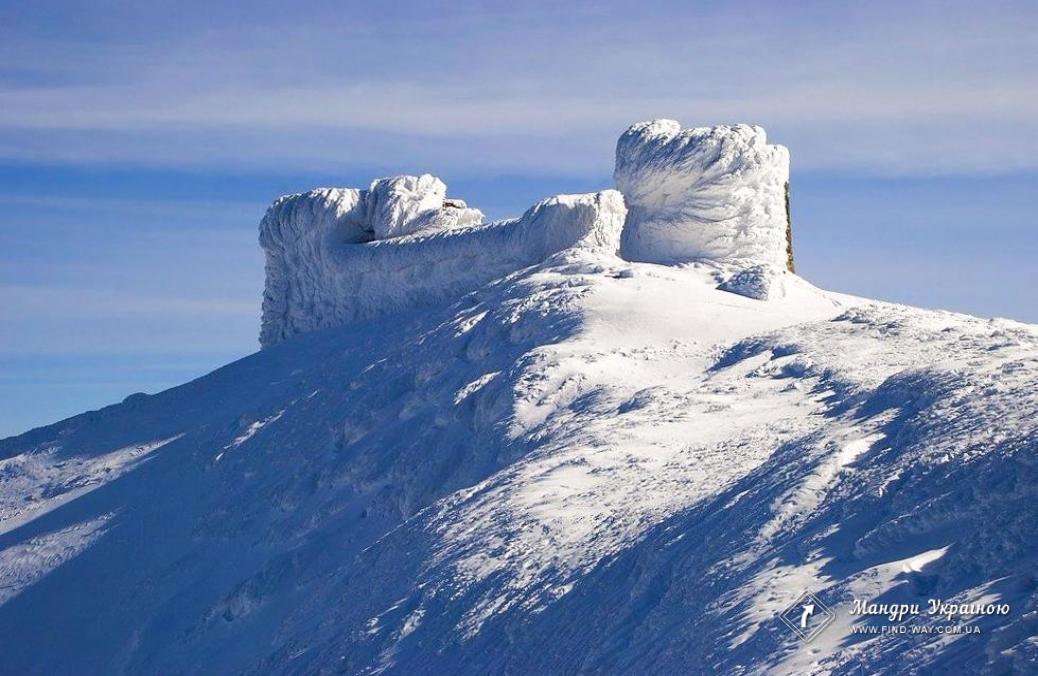 """Pip Ivan (Chornohora, 2022 m), abandoned observatory """"White elephant"""", Carpathians"""