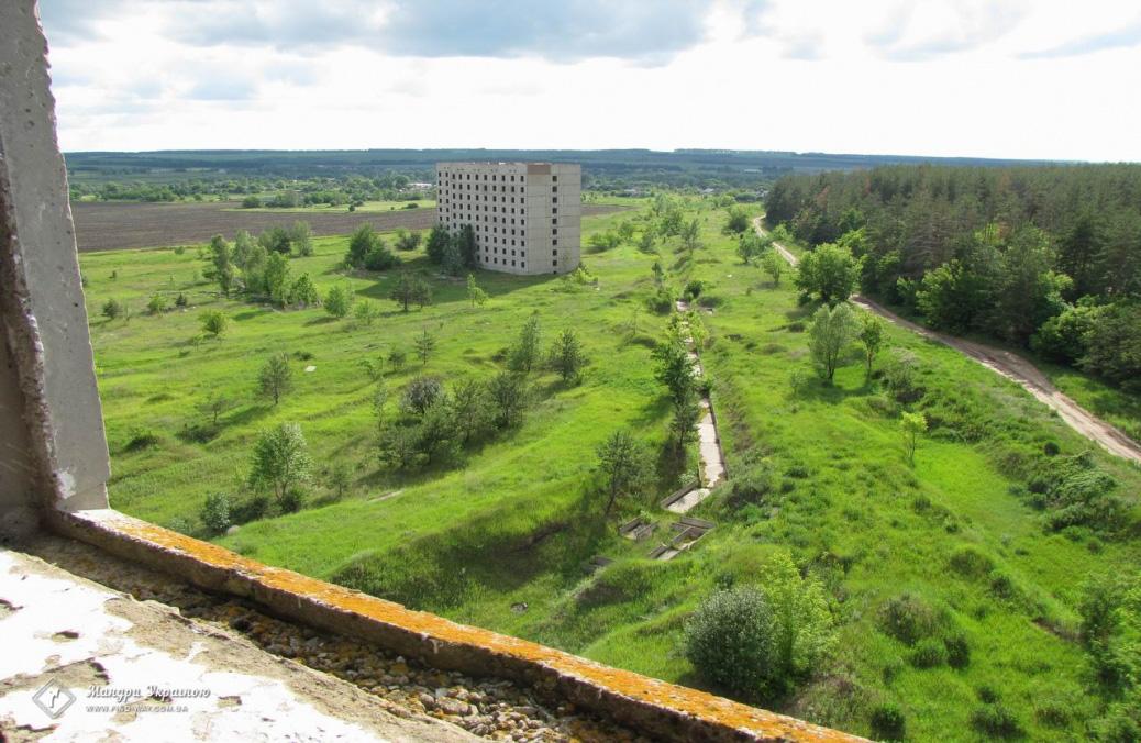 покинуті дев'ятиповерхівки в борках (недобудована атомна електростанція) Цікаві місця України харківська область