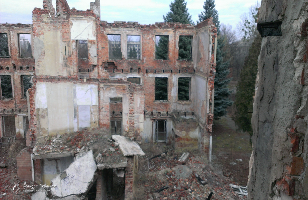 Abandoned Aviation School of S.I. Gritsevtsa, Rogan (Voyenved)
