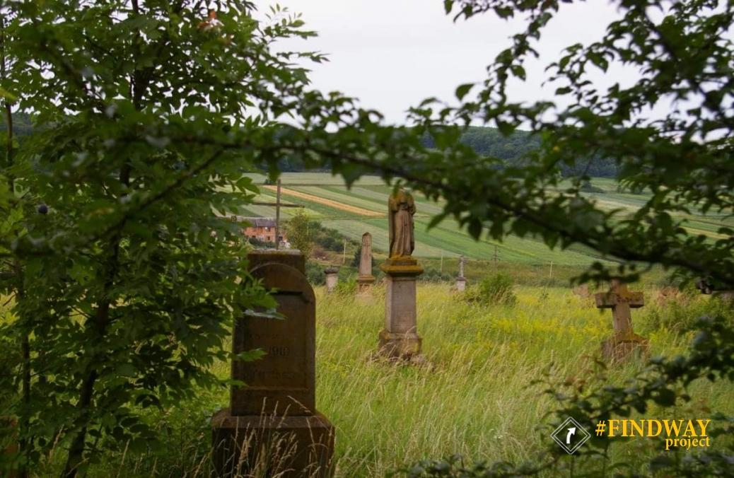 Заброшенный Польское кладбище, Микулинци