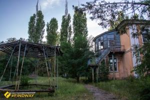 Monument to knyaz Svyatoslav Igorevich, Pavlik Morozov's abandoned camp, Mykolayske-na-Dnipri