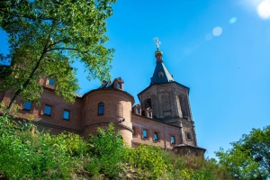 Свято-Троїцький монастир, Охтирка