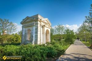 Memorial Park and Myrrh-Bearer Church, Izmail
