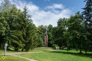 Спадщанський ліс, Путивль