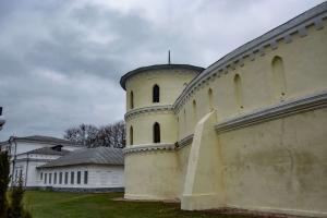 Круглый двор (усадьба-манеж), Тростянец