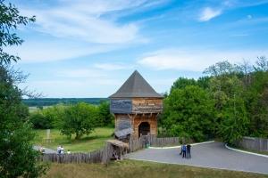 Bogdan Khmelnytsky's Castle, Subotiv