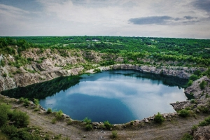 Migia radon lake (abandoned granite quarry, radioactive lake), Migiya