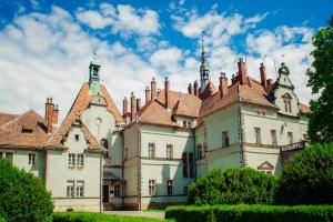 Дворец графов Шенборнов (замок Берегвар), Мукачево, Закарпатье