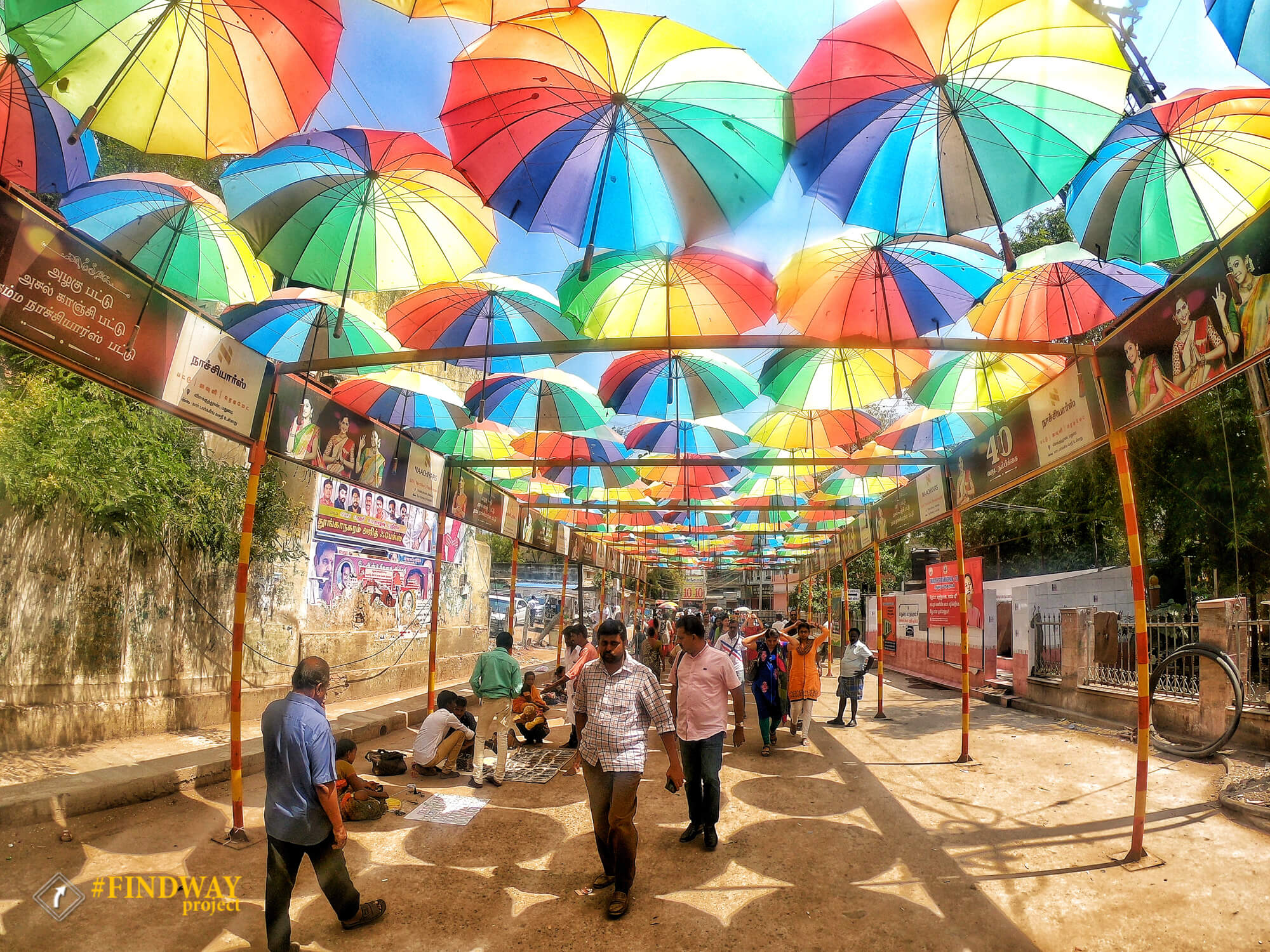 madurai streets temple ambrella travel blog findway ua